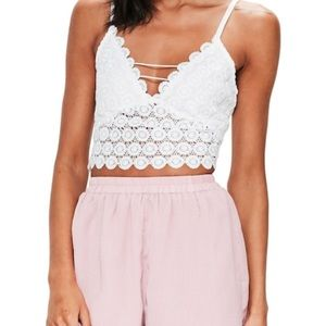 Misguided Circle Lace Crop Tank -White size 6